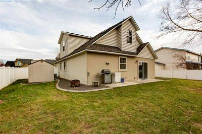 1304 N 37TH CT, Pasco, WA 99301 - Photo 2