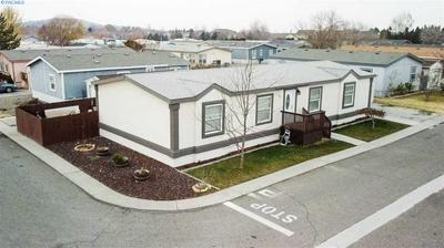 2105 N STEPTOE ST TRLR 127, Kennewick, WA 99336 - Photo 2
