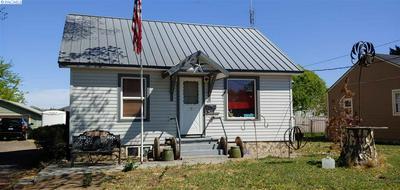 1004 BLAINE AVE, Sunnyside, WA 98944 - Photo 2