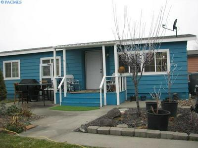 2917 W 19TH AVE, Kennewick, WA 99337 - Photo 1