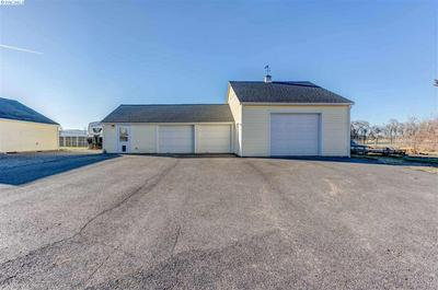 208606 E COCHRAN RD, Kennewick, WA 99337 - Photo 2