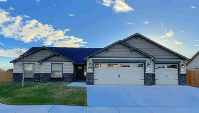 643 W 30TH PL, Kennewick, WA 99337 - Photo 2
