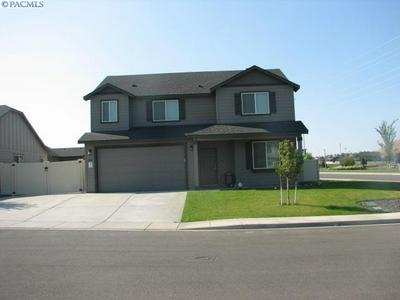 2907 LEAVENWORTH LN, Richland, WA 99352 - Photo 1