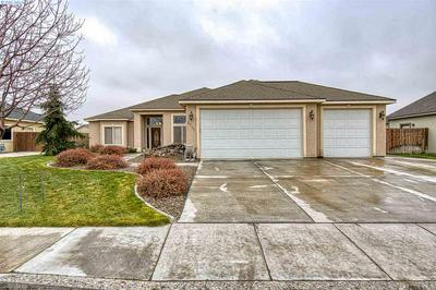 8711 W CLEARWATER PL, Kennewick, WA 99336 - Photo 1