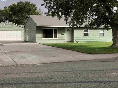 906 CHESTNUT AVE, Richland, WA 99352 - Photo 1