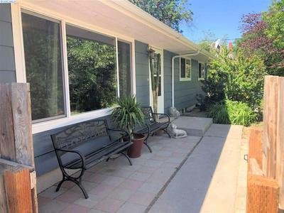 623 S HILL RD, Sunnyside, WA 98944 - Photo 2