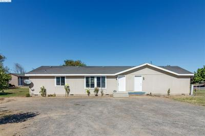 2218 DEBORAH ST, Othello, WA 99344 - Photo 2