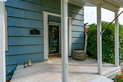 204 BARTH AVE, Richland, WA 99352 - Photo 2