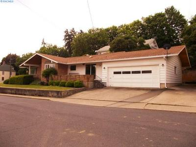 802 MAIN ST, Colfax, WA 99111 - Photo 2