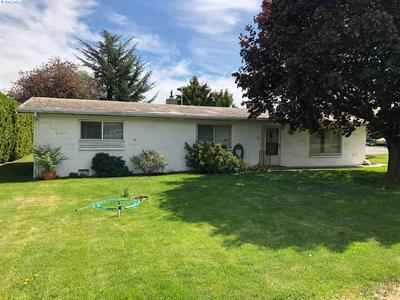 1419 S 18TH AVE, Yakima, WA 98902 - Photo 1