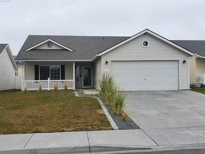 7819 DESCHUTES DR, Pasco, WA 99301 - Photo 1