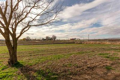 2240 WASHOUT RD, Sunnyside, WA 98944 - Photo 2