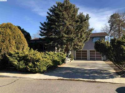 314 N LOUISIANA PL, Kennewick, WA 99336 - Photo 2