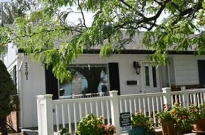 2201 HUMPHREYS ST, Richland, WA 99352 - Photo 1
