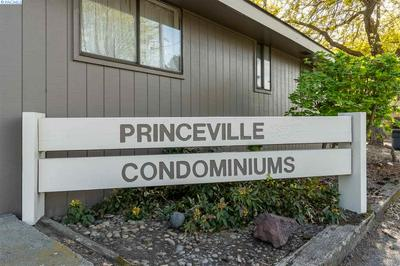 1001 - 1003 PRINCEVILLE ST, Grandview, WA 98930 - Photo 2