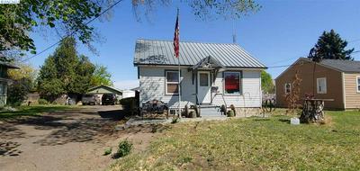 1004 BLAINE AVE, Sunnyside, WA 98944 - Photo 1