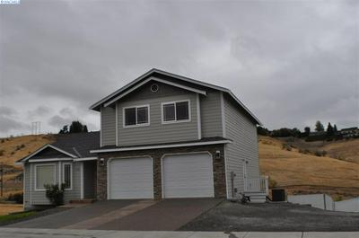707 TERRACE DR, Selah, WA 98942 - Photo 2