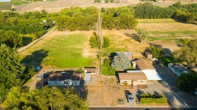 412 3RD ST, Benton City, WA 99320 - Photo 2