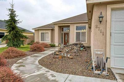 8711 W CLEARWATER PL, Kennewick, WA 99336 - Photo 2