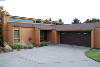 213 NW SUNRISE DR, Pullman, WA 99163 - Photo 1