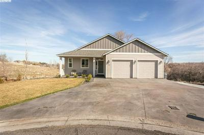 902 ANGELINE BLVD, BENTON CITY, WA 99320 - Photo 2