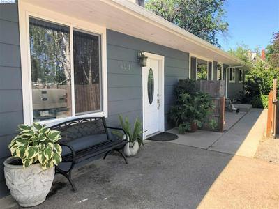 623 S HILL RD, Sunnyside, WA 98944 - Photo 1