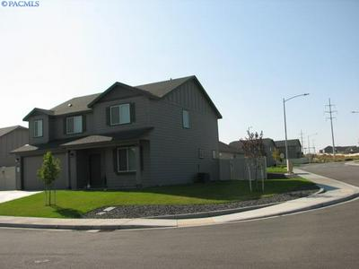 2907 LEAVENWORTH LN, Richland, WA 99352 - Photo 2