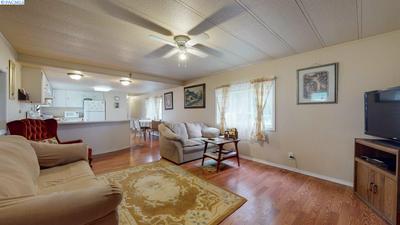 2702 W SANDY LN, Benton City, WA 99320 - Photo 2