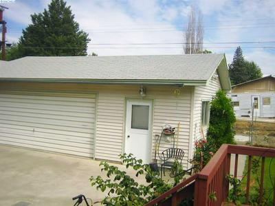 208 CASEY AVE, Richland, WA 99352 - Photo 2