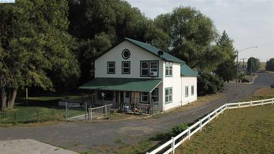 601 BROADWAY ST, Colton, WA 99113 - Photo 2