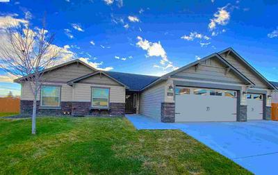 643 W 30TH PL, Kennewick, WA 99337 - Photo 1