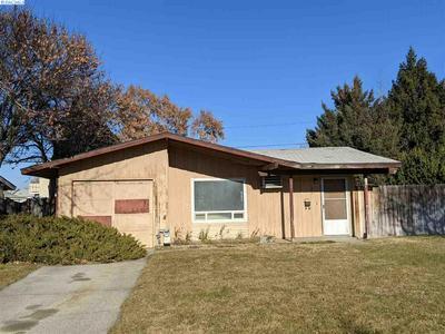 388 WRIGHT AVE, Richland, WA 99352 - Photo 1