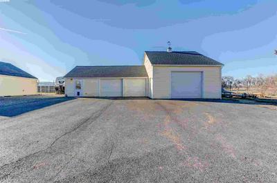 208606 E COCHRAN RD, Kennewick, WA 99337 - Photo 2