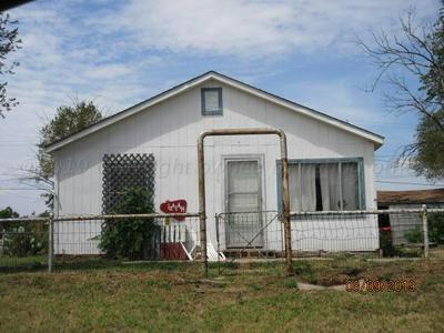 326 S MACKENZIE AVE, Stinnett, TX 79083 - Photo 1