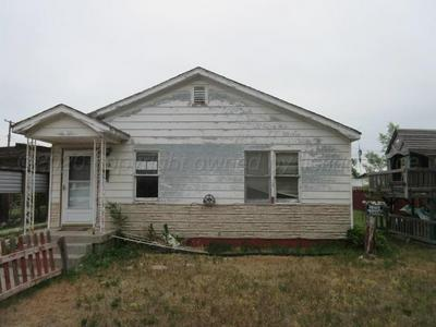 528 DOUCETTE ST, Pampa, TX 79065 - Photo 2
