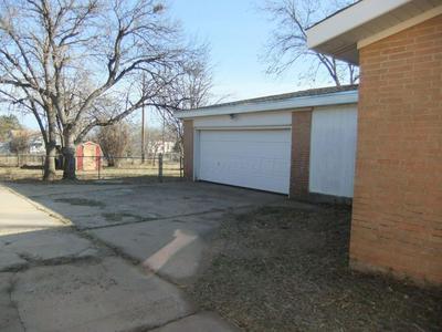 621 MCLEAN ST, CLARENDON, TX 79226 - Photo 2