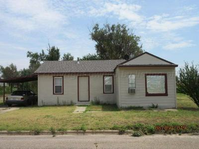 827 S WILHELM AVE, Stinnett, TX 79083 - Photo 1