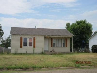 1014 S GREENOUGH AVE, Stinnett, TX 79083 - Photo 2