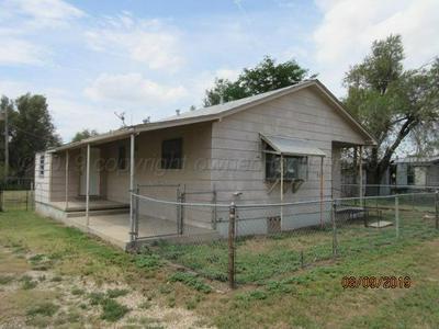 712 ALLEN AVE, Stinnett, TX 79083 - Photo 2