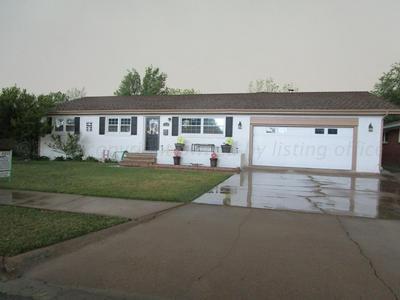 1719 EVERGREEN ST, Pampa, TX 79065 - Photo 2