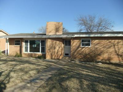 621 MCLEAN ST, CLARENDON, TX 79226 - Photo 1