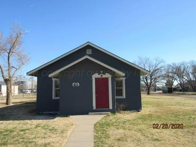 411 W 3RD ST, PANHANDLE, TX 79068 - Photo 1