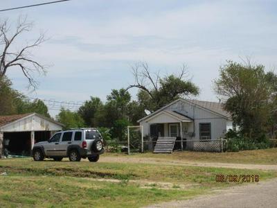 710 S MACKENZIE AVE, Stinnett, TX 79083 - Photo 1