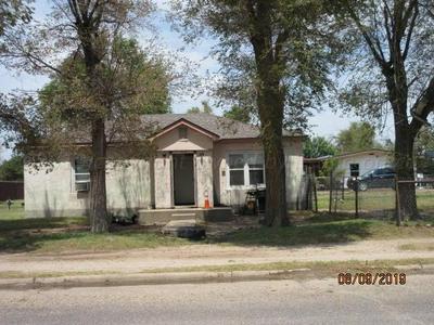 307 W BROADWAY ST, STINNETT, TX 79083 - Photo 2