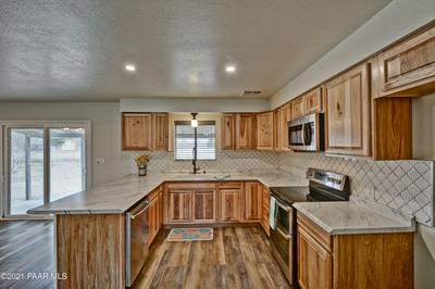 18603 S JERRY HOLBROOK RD, Peeples Valley, AZ 86332 - Photo 2