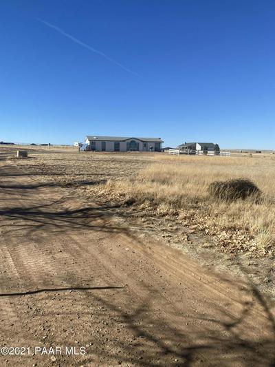 10450 N POQUITO VALLEY RD, Prescott Valley, AZ 86315 - Photo 2