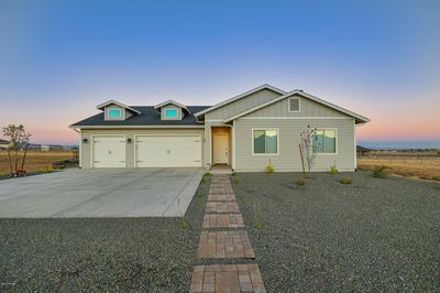 8420 N COVERED WAGON TRL, Prescott Valley, AZ 86315 - Photo 2