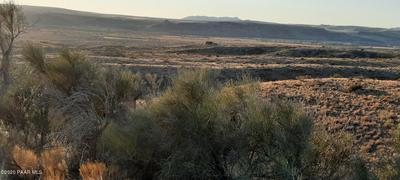 24 S HUNTER, Kirkland, AZ 86332 - Photo 1