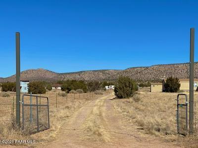610 W VALLERI ANN RD, Paulden, AZ 86334 - Photo 2