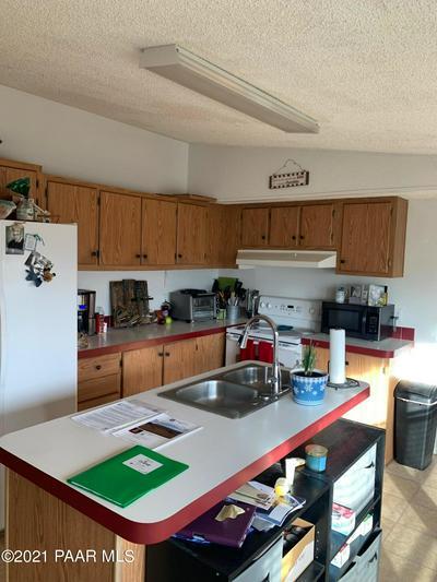 17911 E QUIET VALLEY DR, Dewey-Humboldt, AZ 86327 - Photo 2